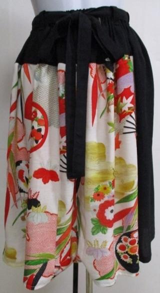 着物リメイク 黒と花柄の着物で作った...