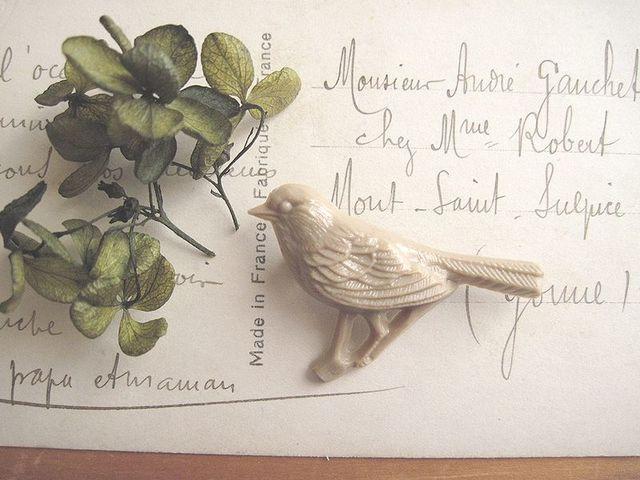 小鳥のブローチ*ミルクティー