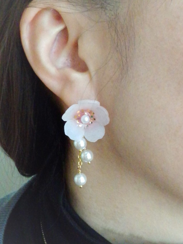 アーモンドのお花☆ピアス