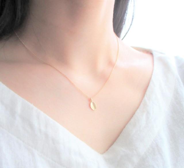 小さな葉のネックレス