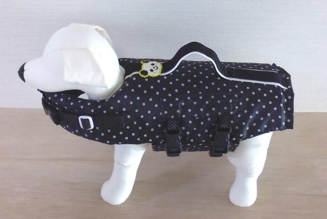 小型犬(S)のライフジャケット・黒地パンダ (4)