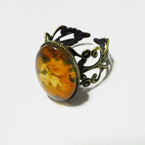 アルフォンス・ミュシャ「花」のリング
