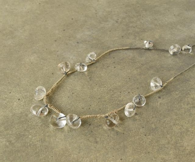 水玉のネックレス