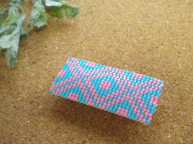 【sold out】ビーズ織り帯留め こぎんモチーフ 【石畳】 ピンク×サックス