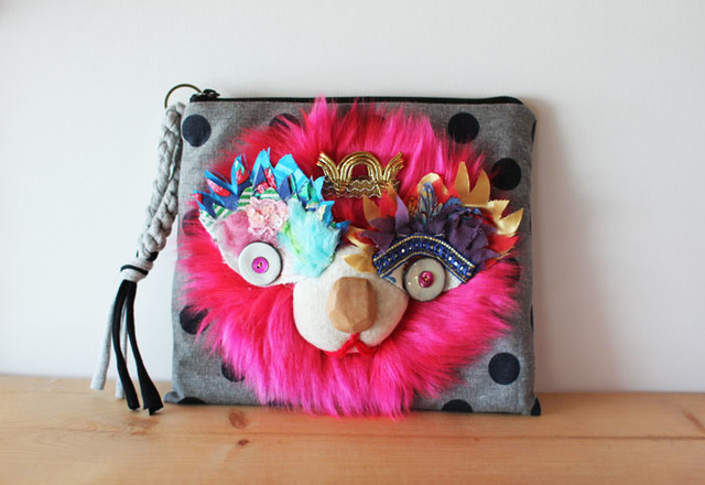 <再入荷!>Lion clutch/verypink