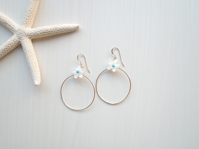 14kgf White Flower ピアス