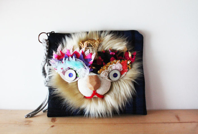 <最終>Lion clutch/blond
