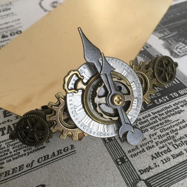 84b28dfc8b 小さめ文字盤と懐中時計に並ぶ歯車のバレッタno.22/スチームパンク ...