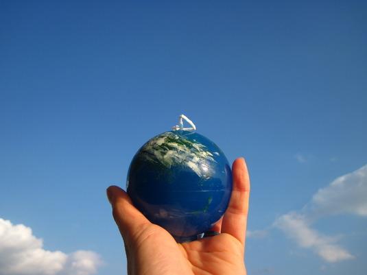 地球はあなたの手の中にろうそく4