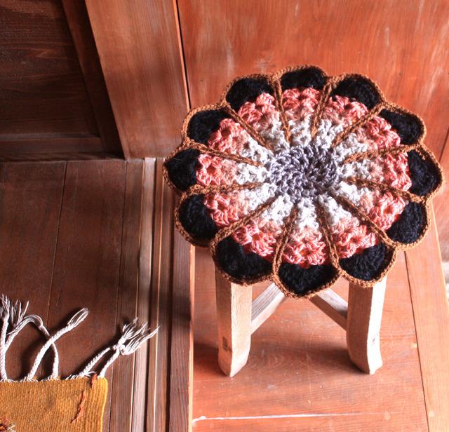 ●milmil様オーダー品● お花の円座 リバーシブル 35cm