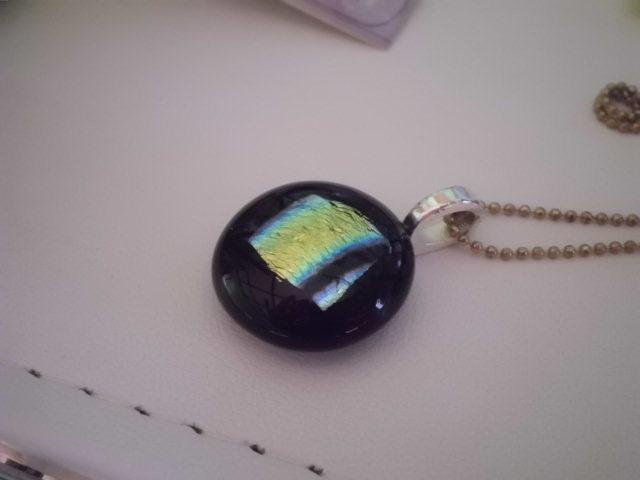 フュージングガラスのネックレス