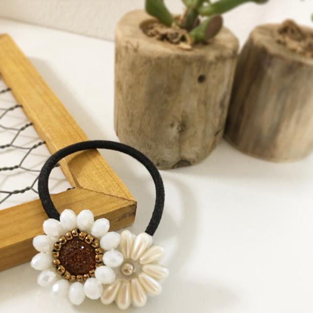ビーズ刺繍の二つのお花の2wayヘアアクセ