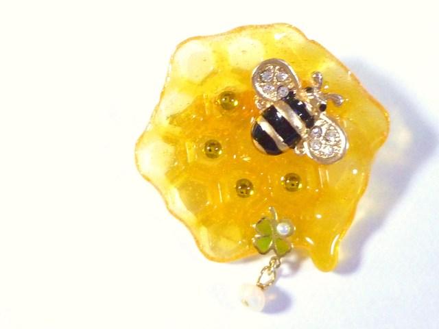 オパール§Clover Honey Waffle Brooch/クローバーハニーワッフルブローチ