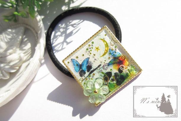 春の草原と蝶達のヘアゴム