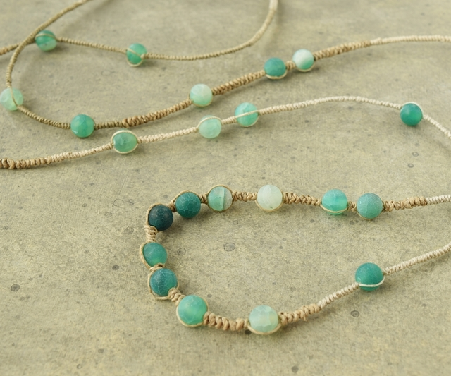 Colored agate long necklace