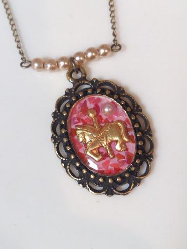 お馬さんのネックレス #1
