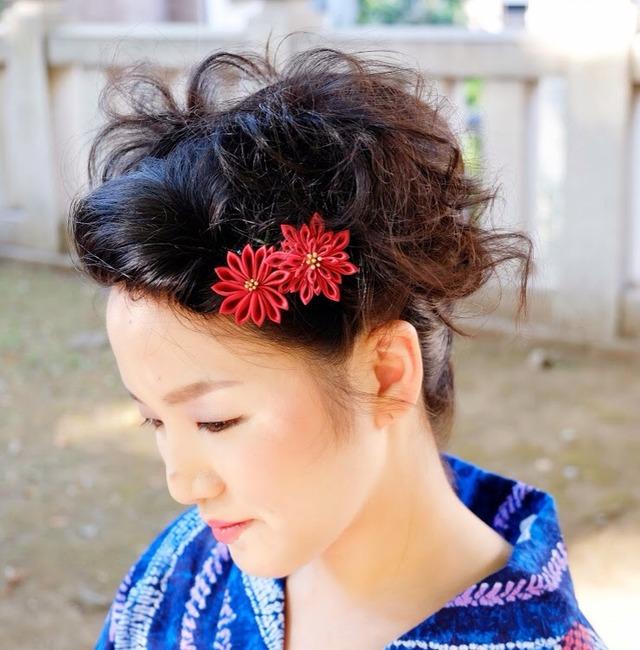 つまみ細工ー女の紅、菊の花。