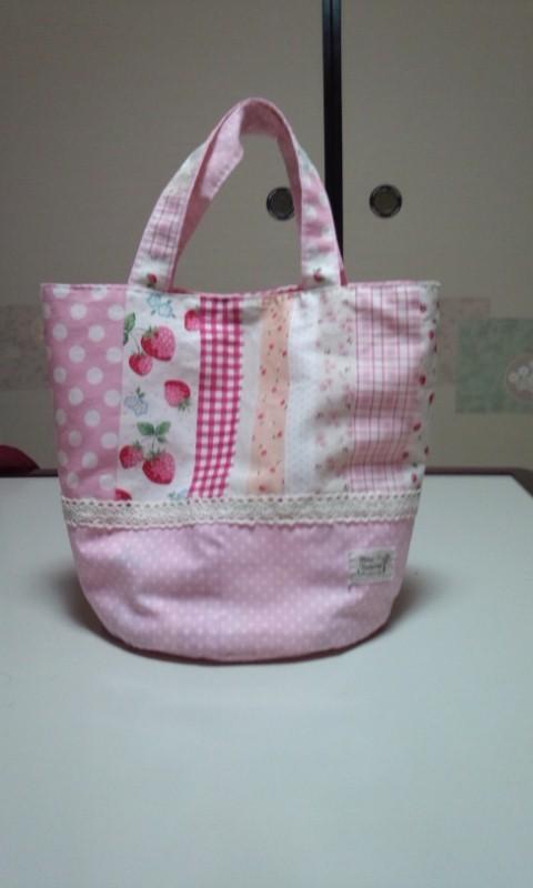 苺とドットのトートバッグ(ピンク)