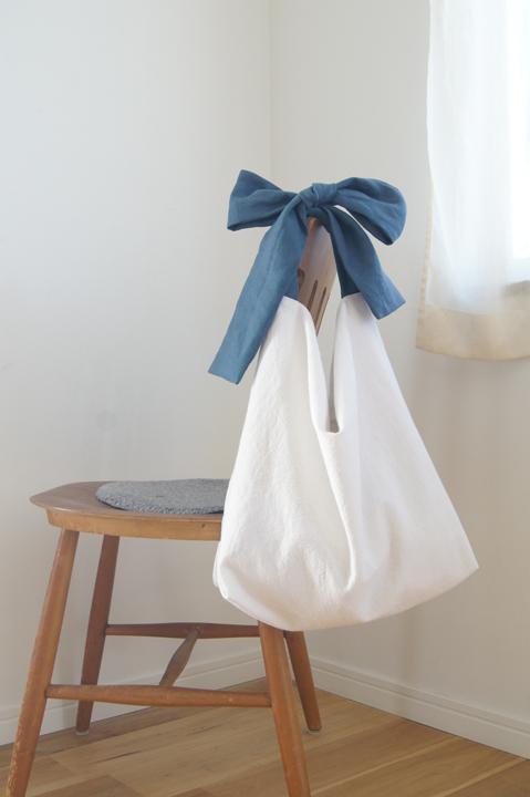 ★new★綿麻リボンのバッグ(ホワイト×...