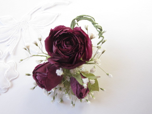 薔薇とかすみ草のコサージュ2