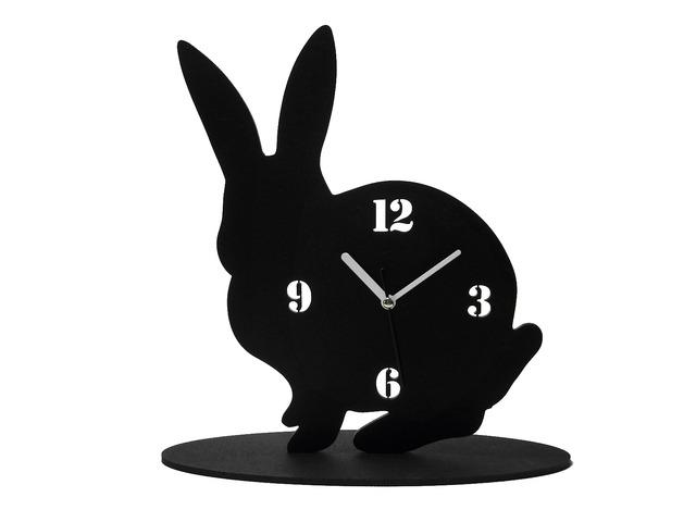 黒兎(くろうさぎ)の時計【おすましポーズ‥?】