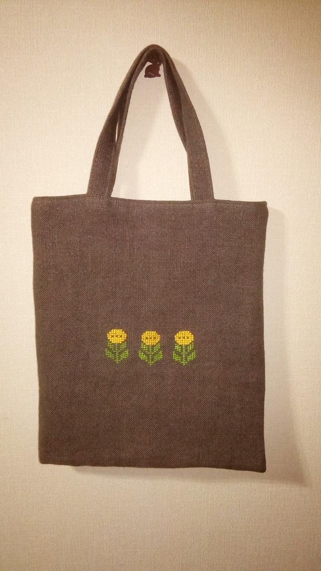 お花刺繍リネンのペタンコバッグ