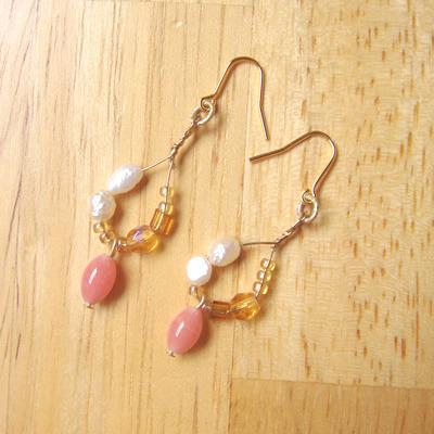 パールとピンク珊瑚のビーズピアス