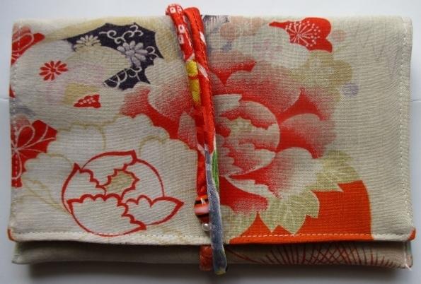 着物リメイク 花と鶴の柄の着物で作っ...