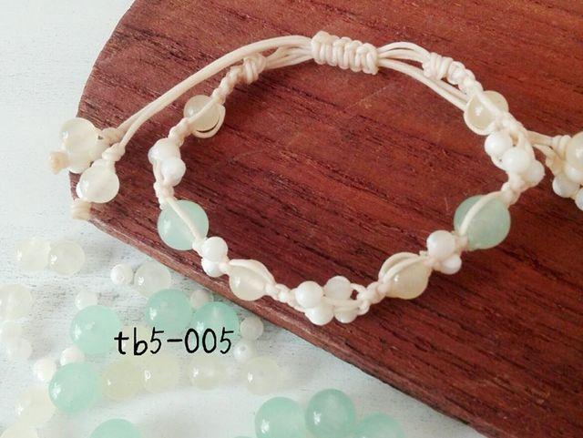 tb5-005\t天然石ブレス?\t13.染カルセド...