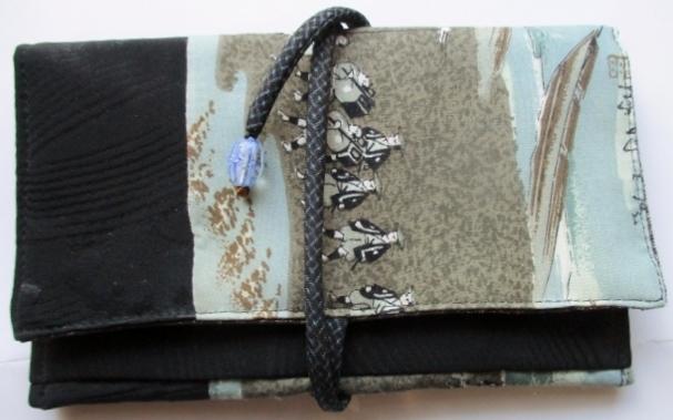 着物リメイク 黒の羽織と長襦袢で作っ...