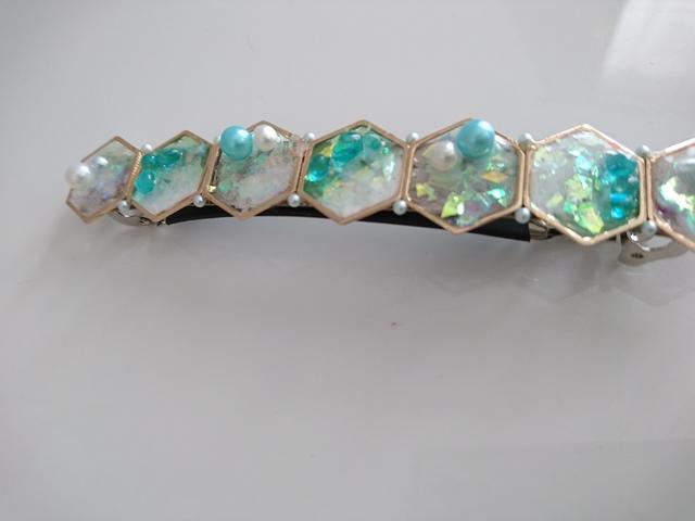 グリーンのオーロラ宝石箱バレッタ