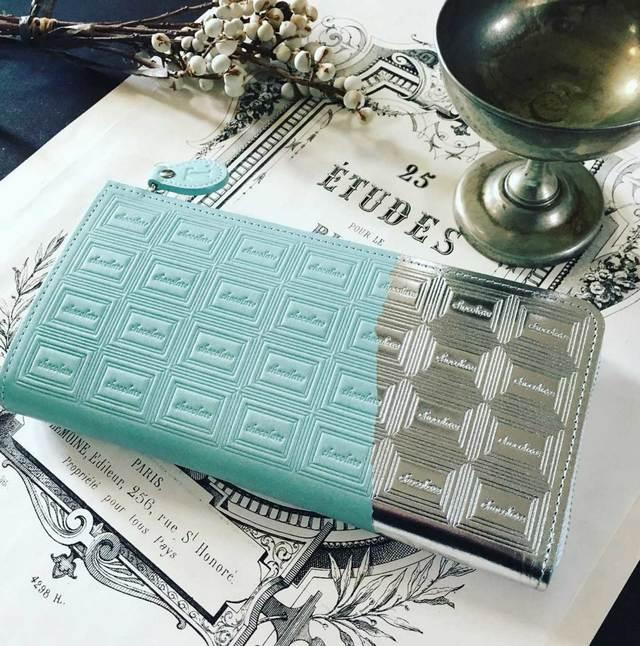 革のミントチョコ長財布