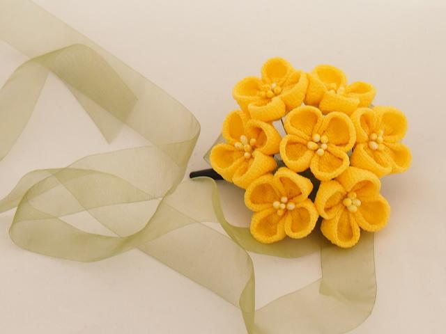 菜の花のつまみ細工