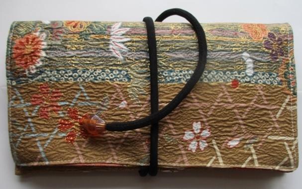 着物リメイク 花柄の着物で作った和風...