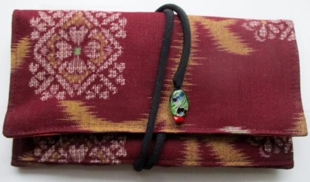 着物リメイク 赤絣で作った和風財布 ...