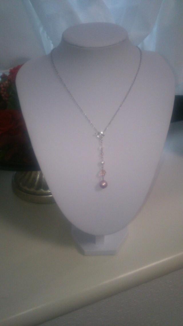 ピンクのY字ネックレス