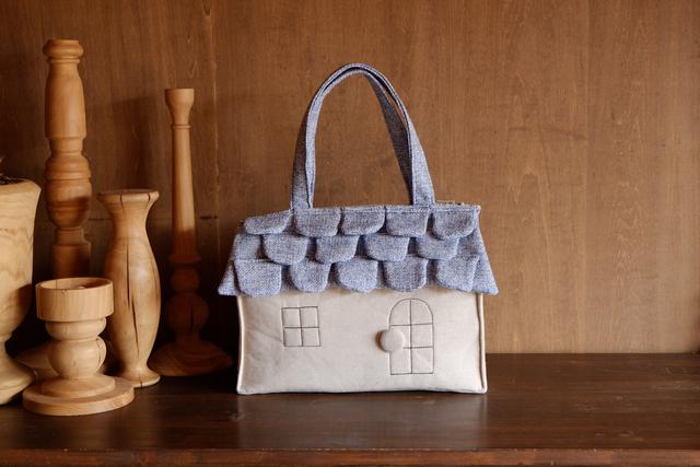 OUCHI box bag L  水色屋根+生成り