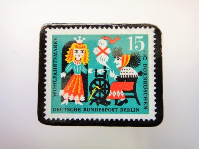 ドイツ ねむり姫切手ブローチ2288