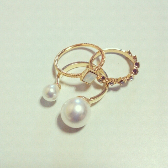 double pearl ring?