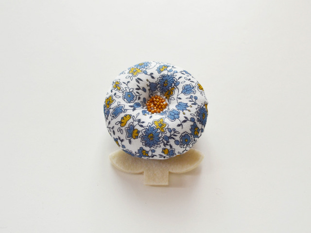 flower brooch 10-2