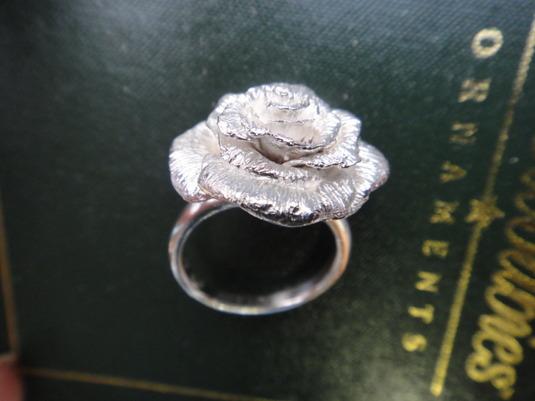 指輪「薔薇」