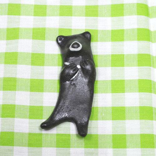 くねっとしたクマの箸置き