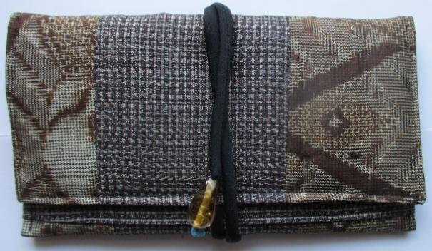 着物リメイク 泥大島で作った和風財布...