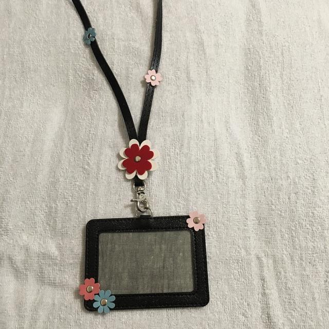 かわいいお花のついたパスケースBL-2