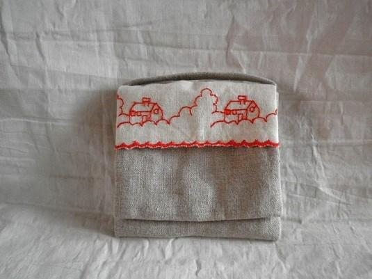 mini mini pouch 赤いおうち