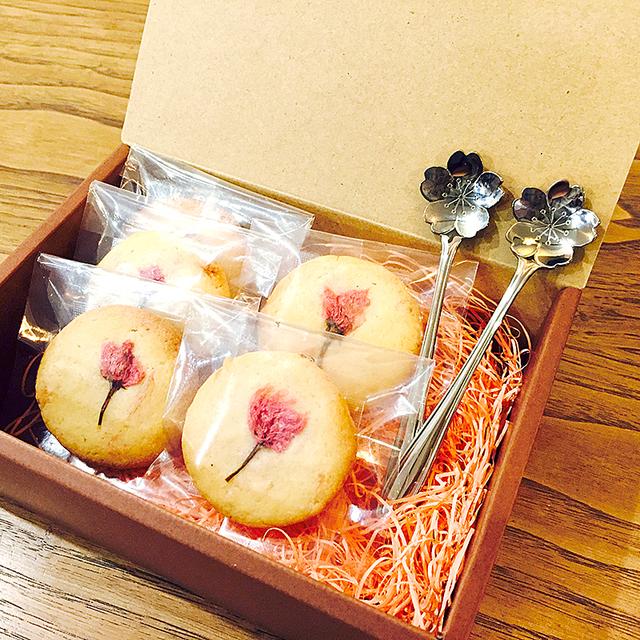 桜のバターサブレとスプーンセット /...