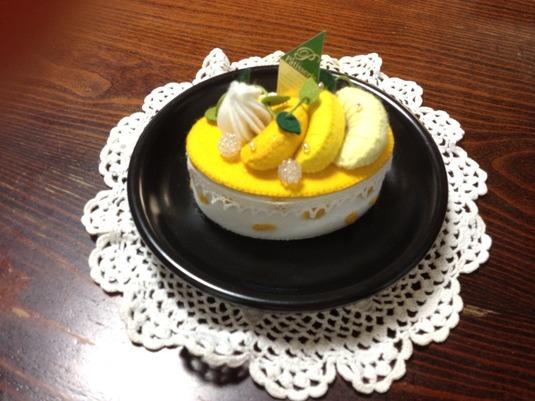 オレンジのヨーグルトとムースのケーキ...