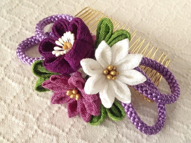 〈つまみ細工〉梅と小菊と江戸打ち紐のコーム(紫)