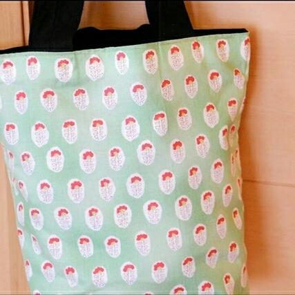 【 送料無料】北欧調の肩掛けトートバッグ