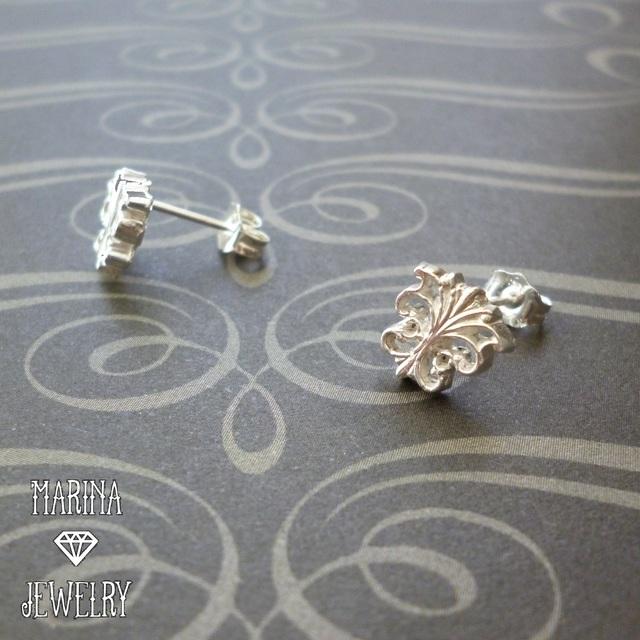 バタフライのピアス - silver -